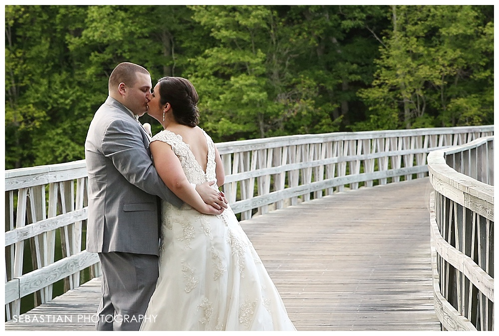 Sebastian_Photography_Studio_CT_Wedding_Lake_Of_Isles_Golf_Foxwoods_022.jpg