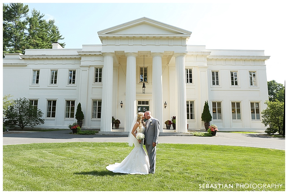 Sebastian_Photography_Studio_Wedding_CT_Wadsworth_Cream_Middletown_21.jpg