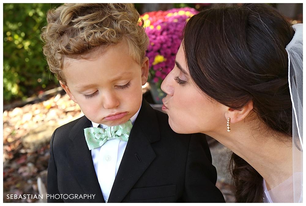 Sebastian_Photography_Studio_Wedding_Connecticut_Bride_Groom_Backyard_Fall_Autumn_NewEngland_012.jpg