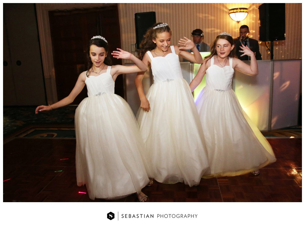 Sebastian Photography_CT Wedding Photographer_Water's Edge_Costal Wedding_CT Shoreline Wedding_7064.jpg