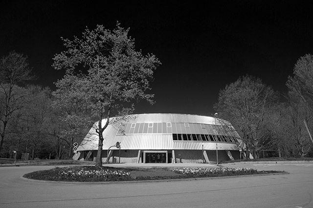 Rundsporthalle, Waiblingen  #architektur #architekturfotografie #fotografiestuttgart #waiblingen #stuttgart #schwarzweiß #schwarzweißfotografie #architecture #architecturephotography #blackandwhite #blackandwhitephotography #glückundpartner #fdfotografie #stuttgartfotograf #sport #sports