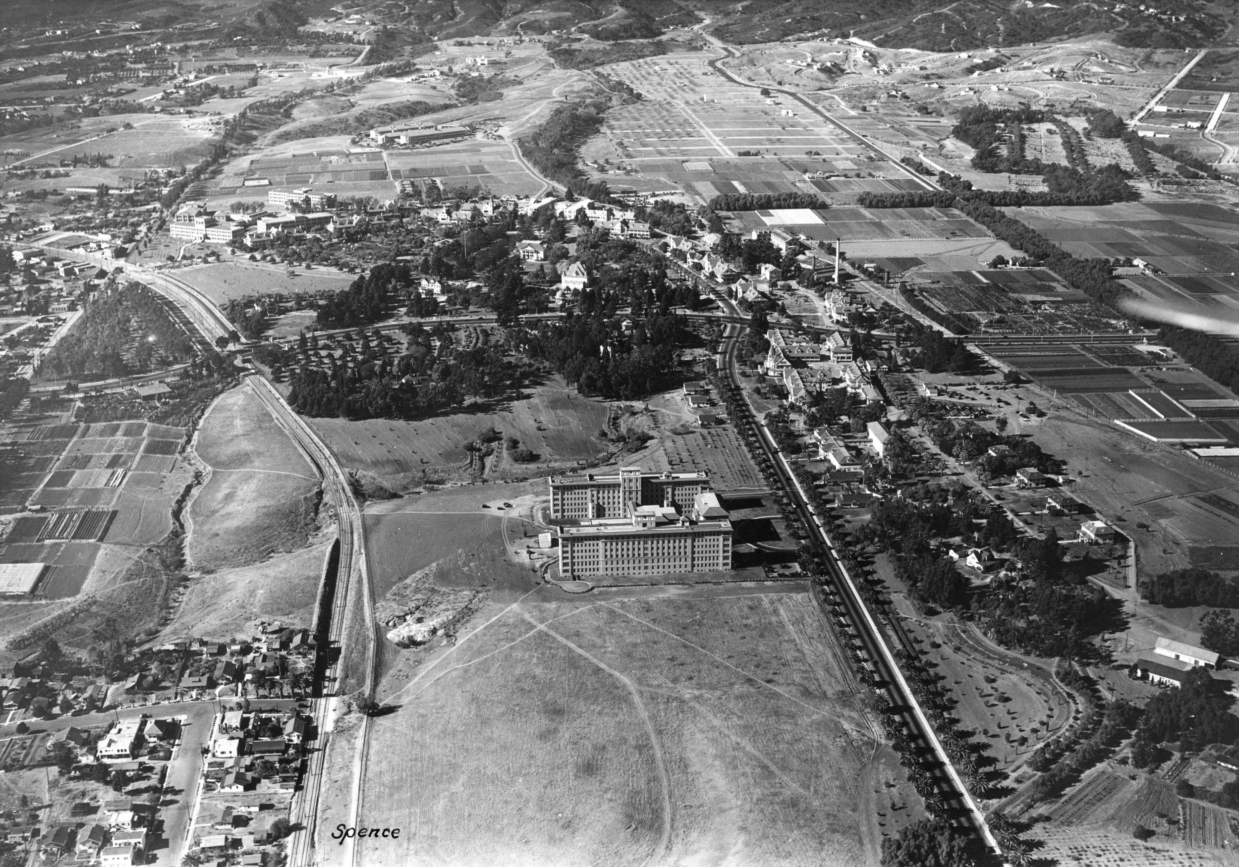 The campus, located at the prominent   intersection of Sepulveda and Wilshire boulevards,   developed in response to changing health requirements and numbers of veterans and includes large, landscaped grounds that have been enjoyed by veterans, their families, and other visitors.  Photo courtesy of Department of Veterans Affairs archives.