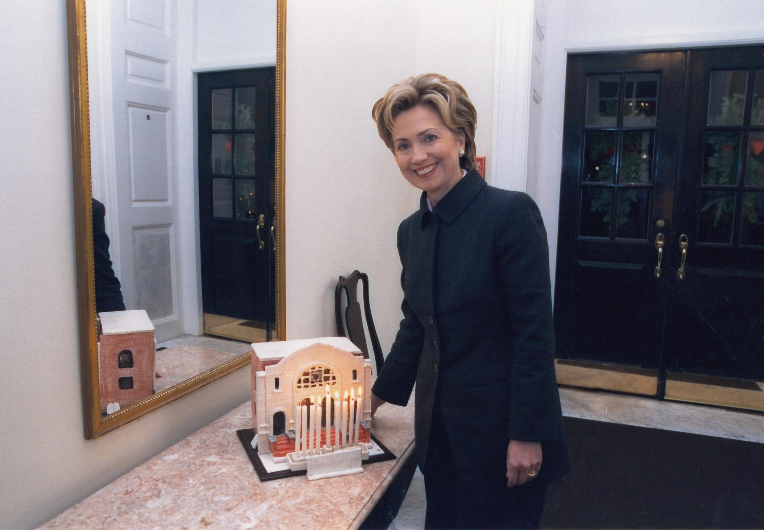 Official White House Photograph P78676-12A 22-DEC-99 Ralph Alswang