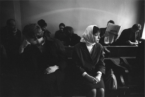 Eve Arnold, Divorce In Moscow 1966