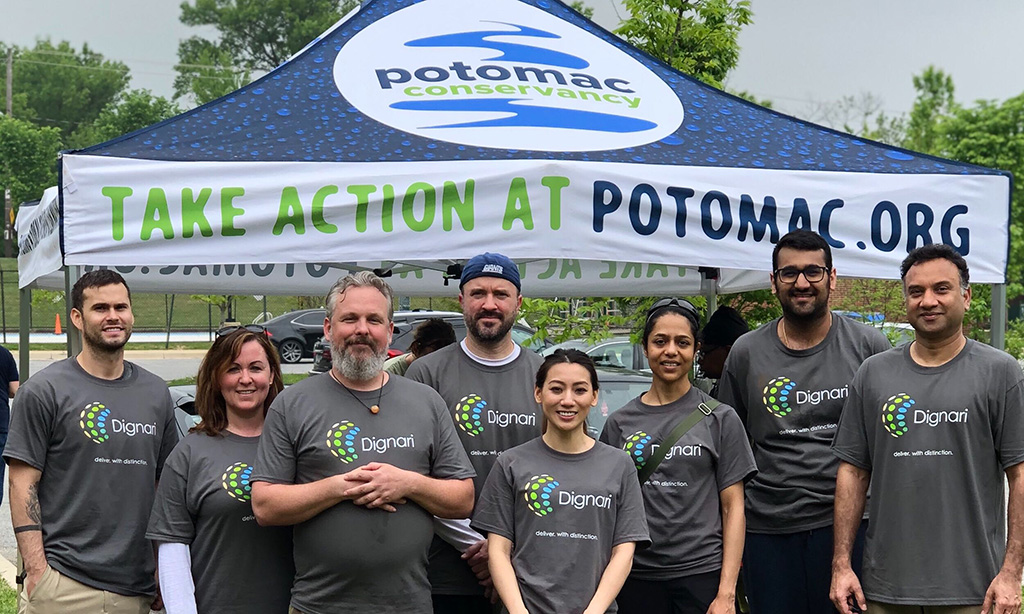 Dignarians spending some time on the weekend to give back to the community. Pictured left to right: Trevor Milam, Gena Alexa, Suzannah Jones' husband - Todd!, Matthew Smith, Sandy Ho, Devaki Pyla, Ritanch Hans, and John Aranha. (not pictured: Suzannah Jones)