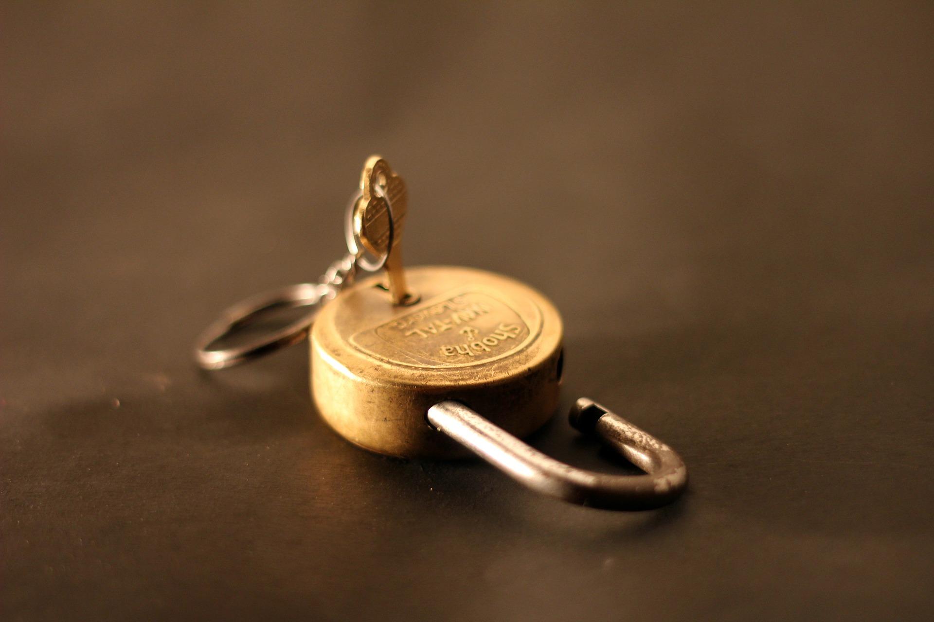 padlock-166882_1920.jpg