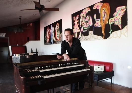 Mike Flanigin on B-3, photo © Michael Corcoran