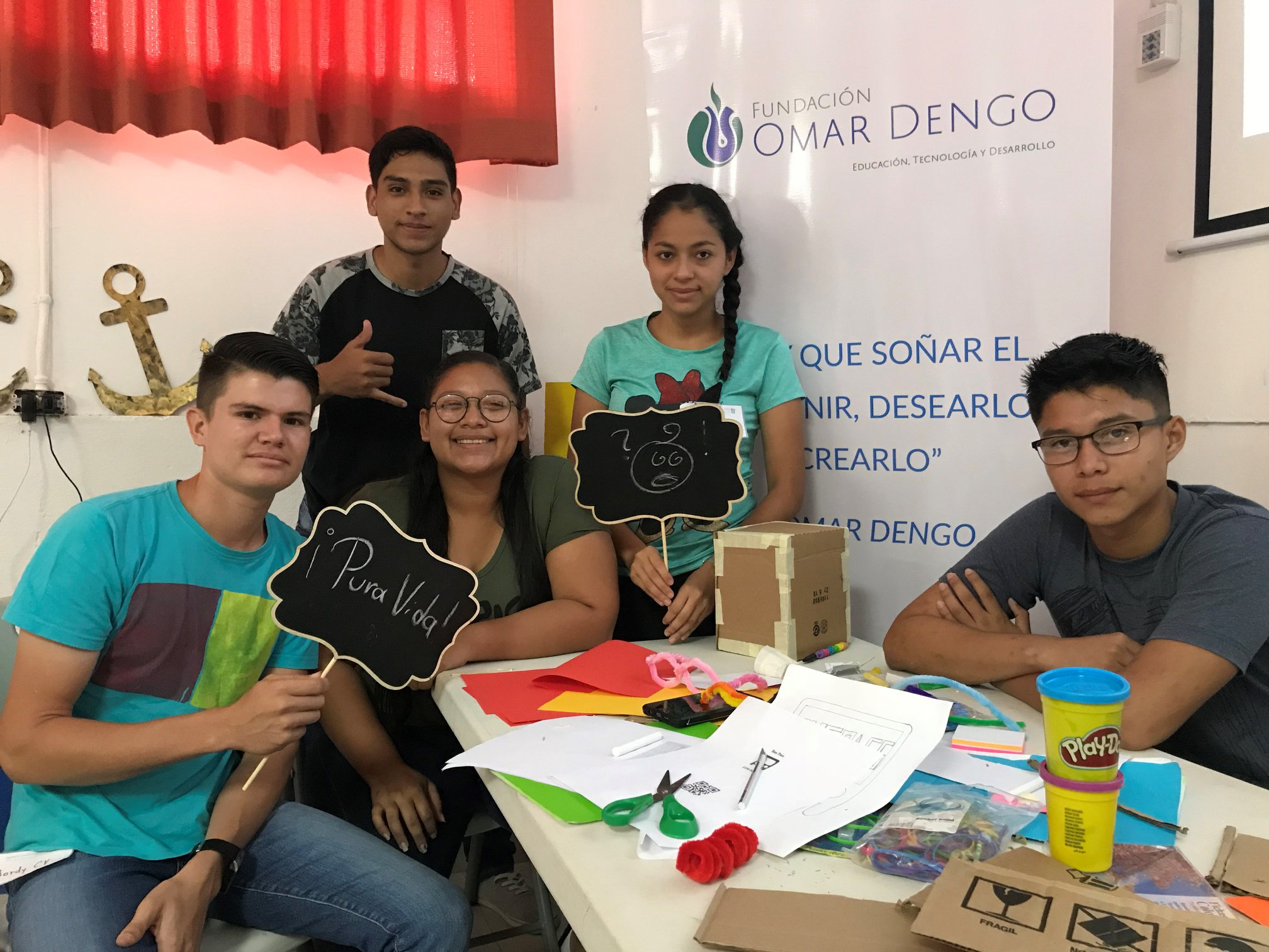 Students at a prototyping and tinkering workshop  in the Southern Pacific region of Costa Rica.
