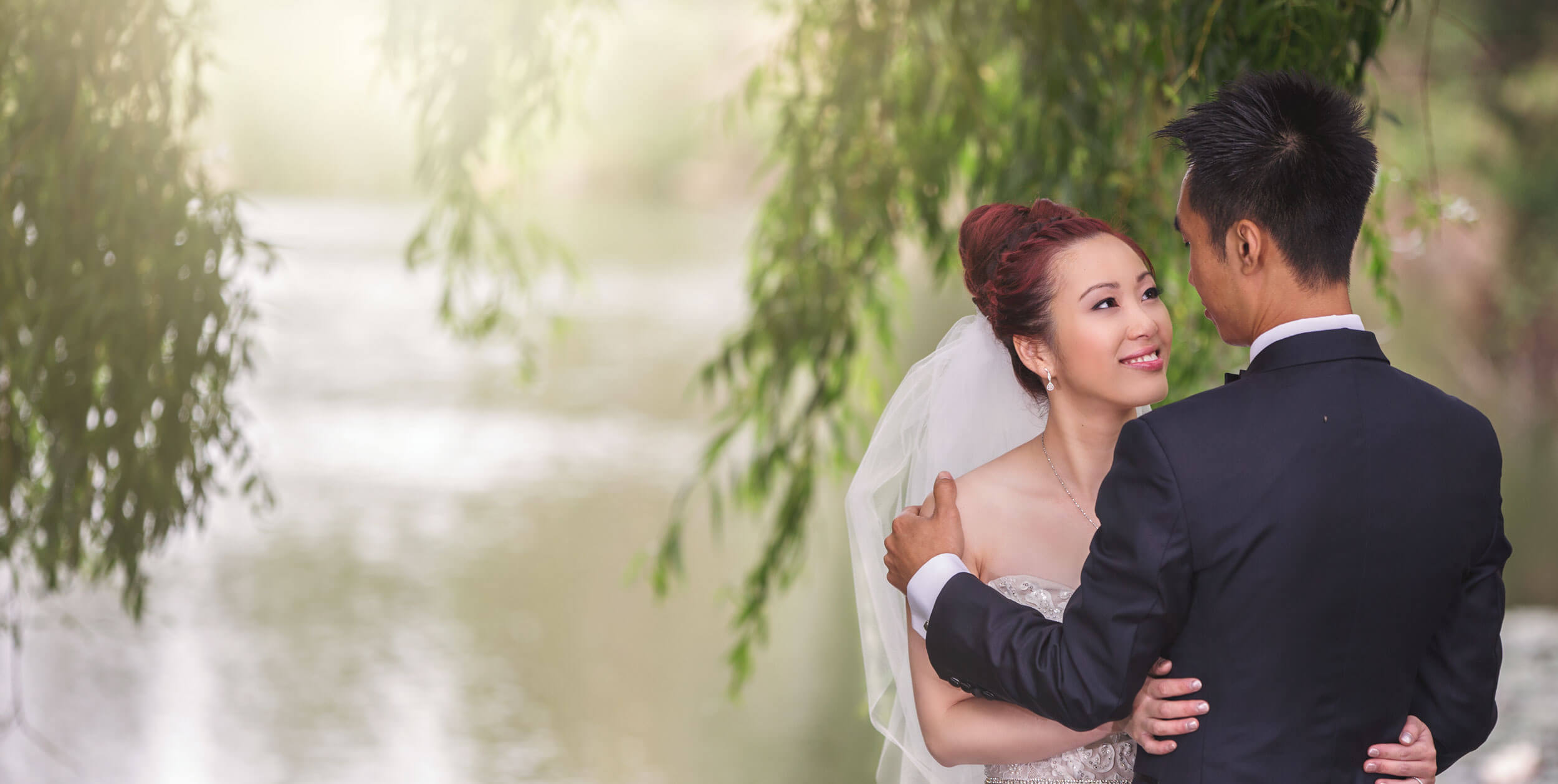 Glen Ewin Estate Wedding couple