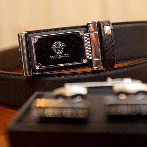 wedding belt and clufflinks