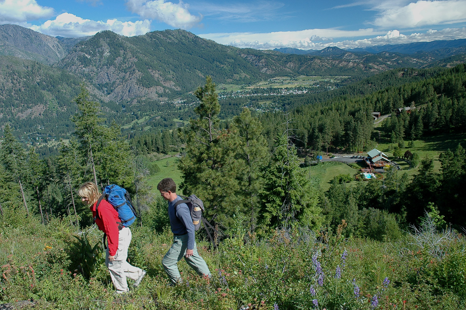 Our Overlook Trail for spring hiking with MHL and Leavenworth in the background.