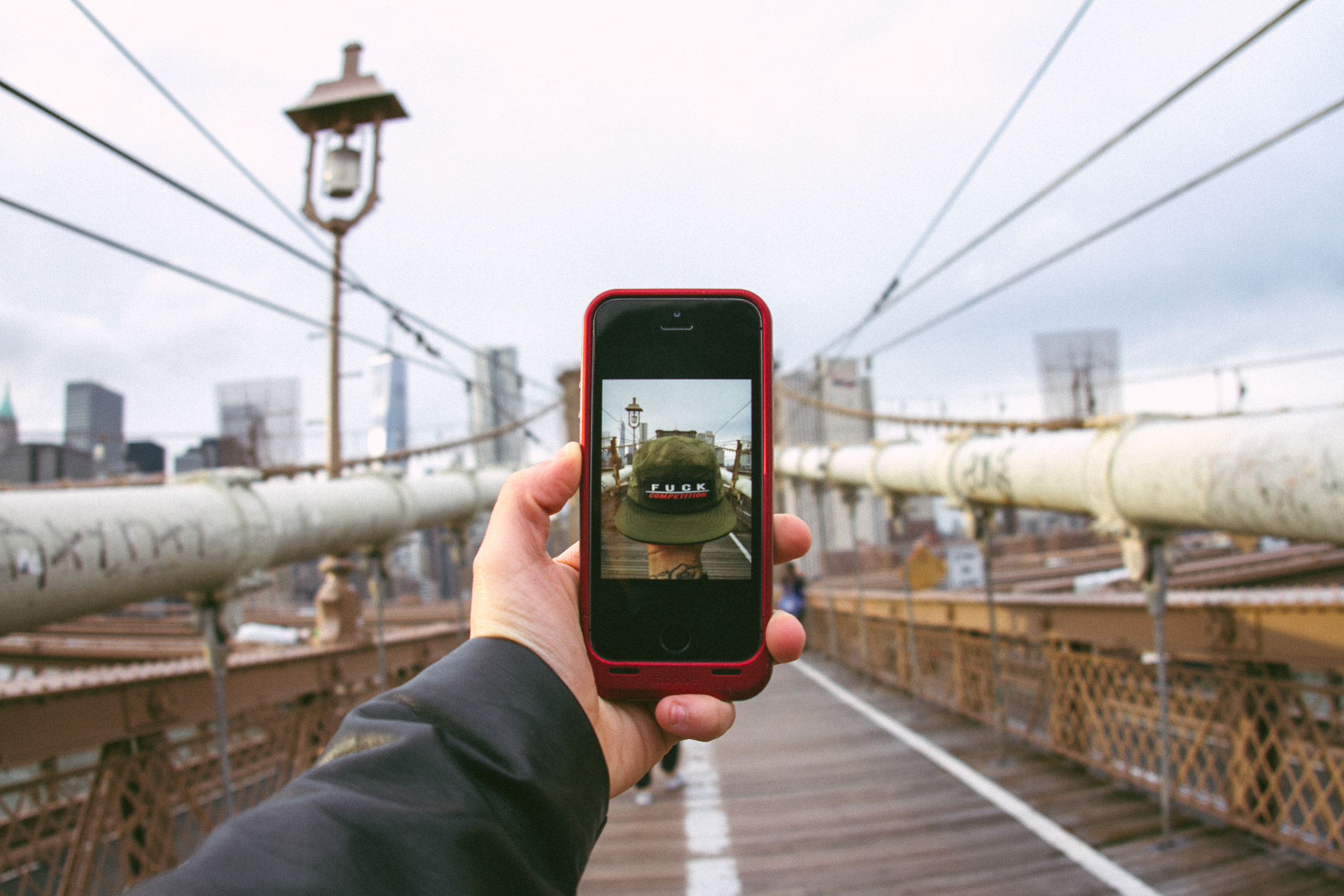 Iphone5_selfie_brooklynbridge_mophie_streetwear