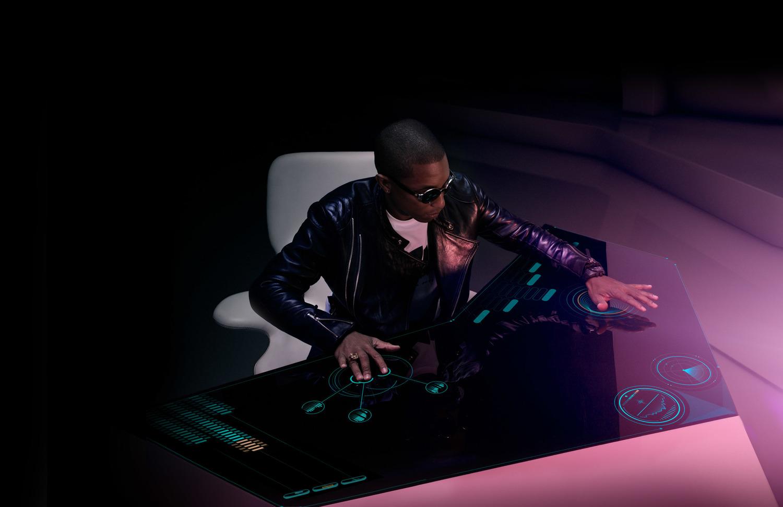 Pharrell_deskshotbuildout2grfxFinal.jpg