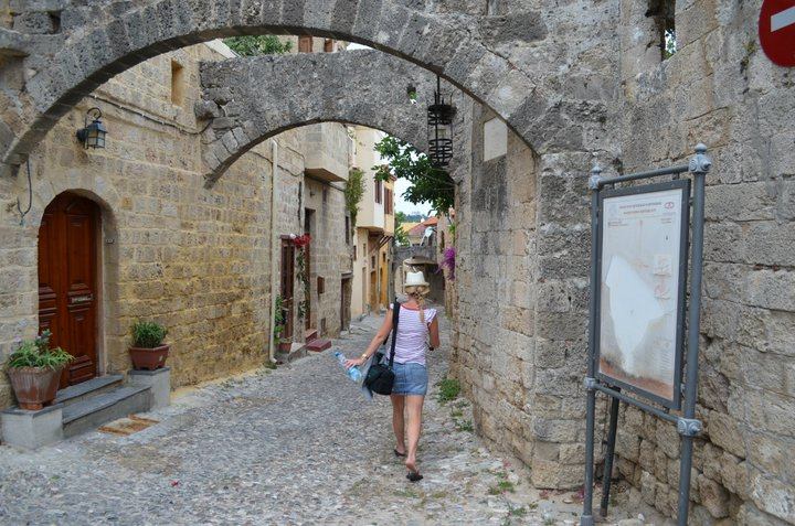 Wandering the cobbled streets of Rhodos