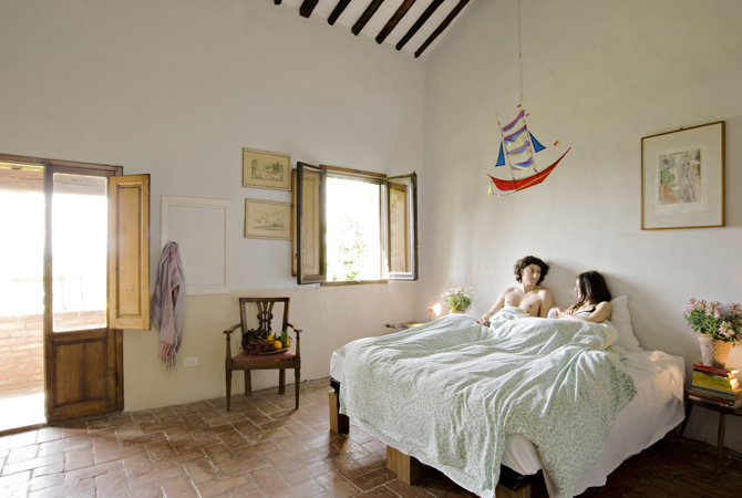 villa bedroom.jpg