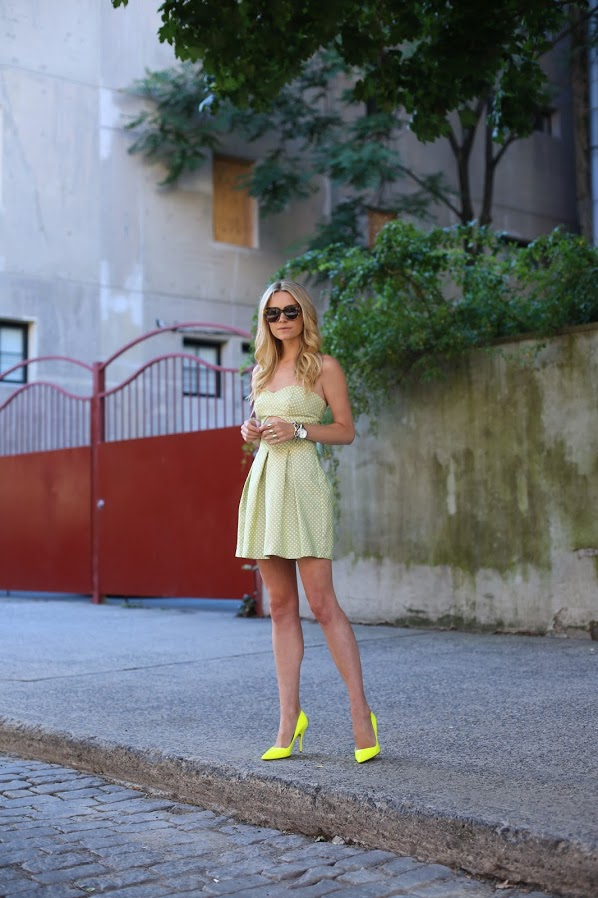 4.-neon-yellow-pumps-with-pastel-dress.jpg