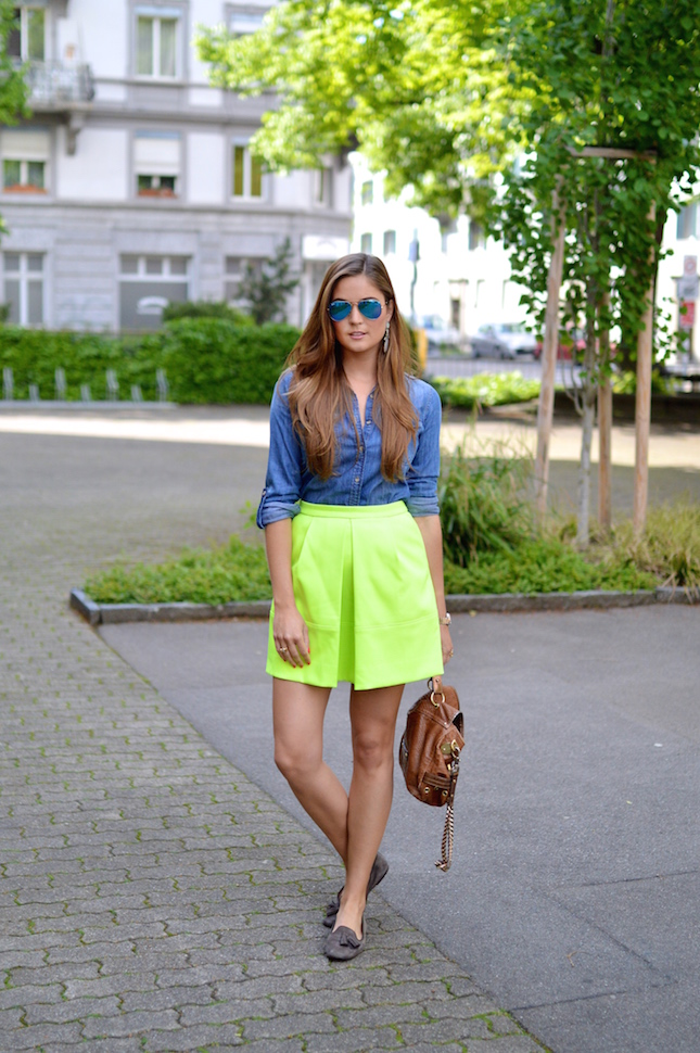 1.-chambray-shirt-with-neon-yellow-skirt.jpg