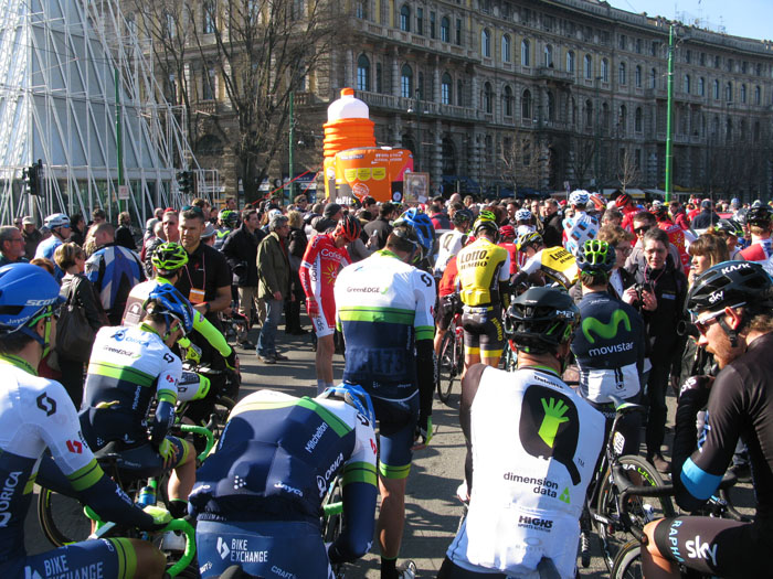 Il gruppo di Milano-Sanremo, just before the neutral start of 10km through the streets of Milano