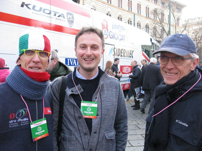 Paolo Viberti (L), Paolo Tomaselli-Corriere della sera (C) and Giorgio Viberti enjoy a laugh before Milano-Sanremo