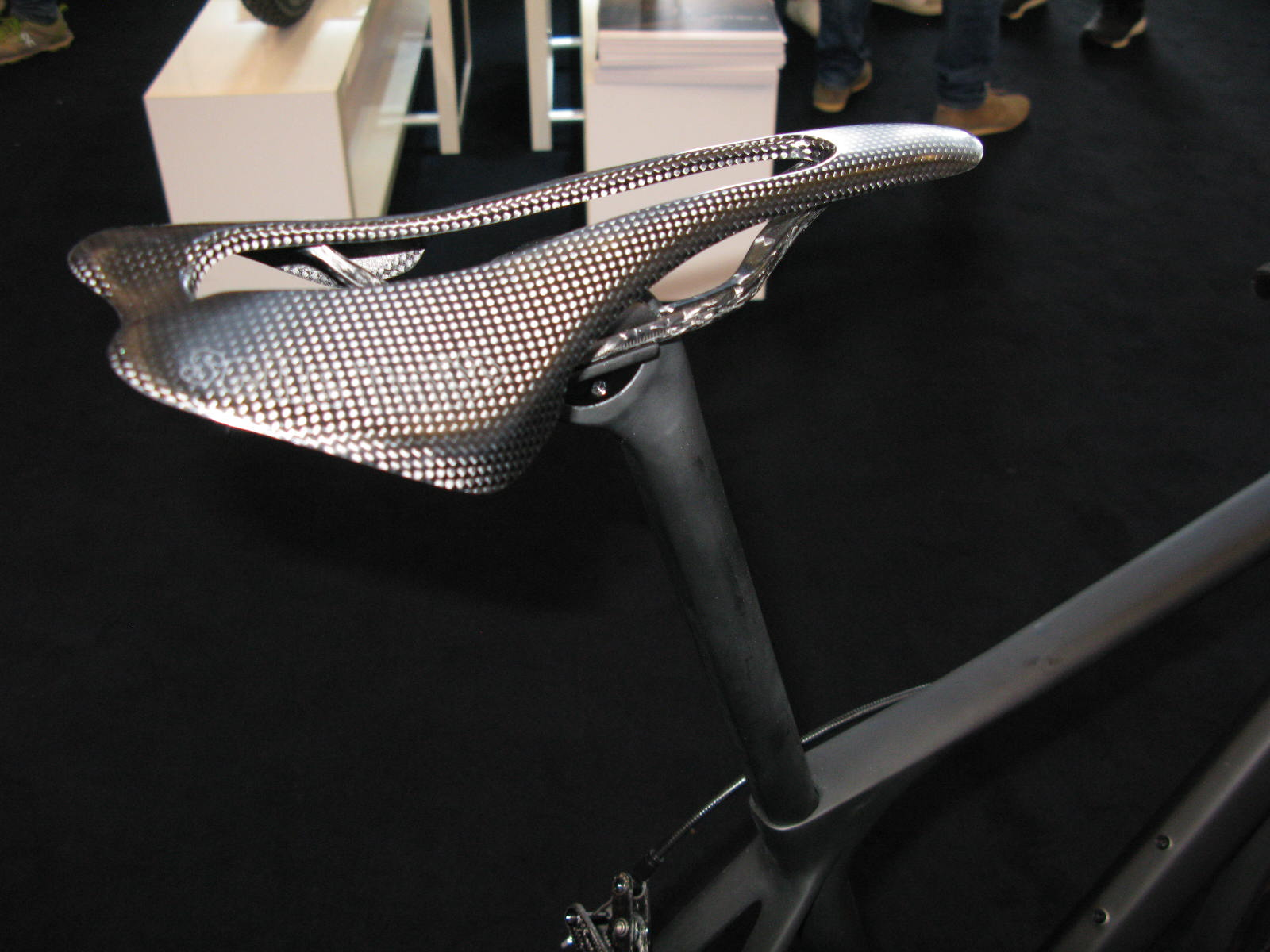 Storck Aernario2 Signature saddle.JPG