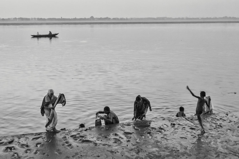 Varanasi in the morning. Copyright: Daniel Hofmann