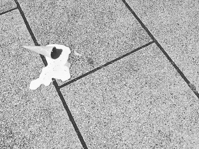 Pure Sadness  #streetdreams #visualmobs #1stinstinct #streetdreamsmag #streethype #hypebeast #heatercentral #streetmobs #illgrammers #shotaward #agameoftones #artofvisuals #ig_masterpiece #createcommune #urbangathering #thecreative #urbanromantix#ig_hamburg #typischhamburch #welovehh #diewocheaufinstagram #igershh #hamburgmeineperle #ig_deutschland