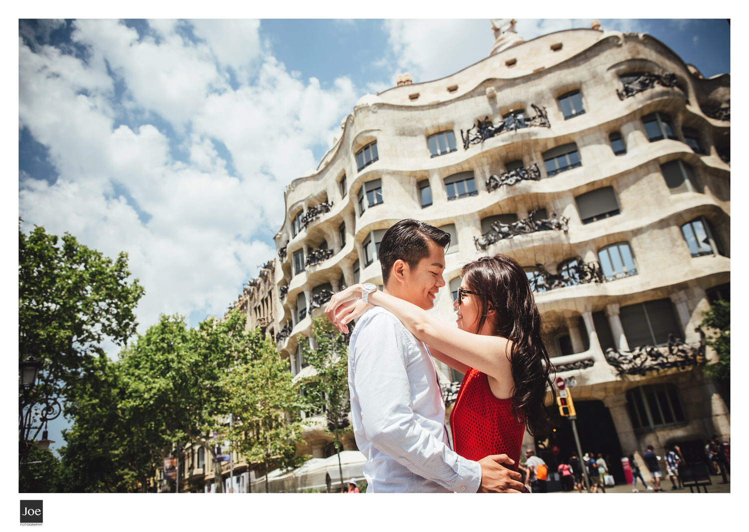 joe-fotography-56-barcelona-la-pedrera-pre-wedding-linda-colin.jpg