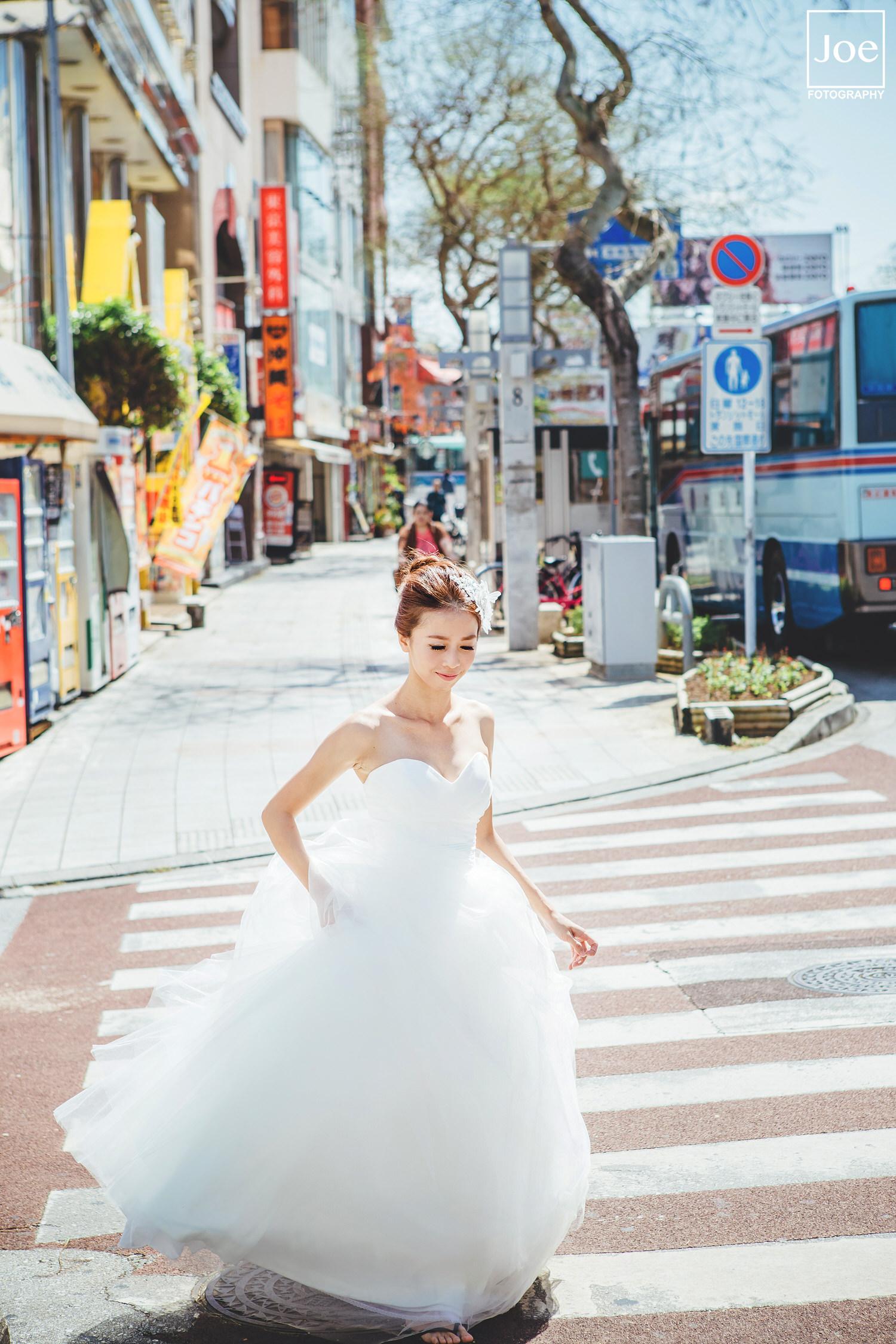 14-okinawa-kokusai-dori-pre-wedding-melody-amigo-joe-fotography.jpg