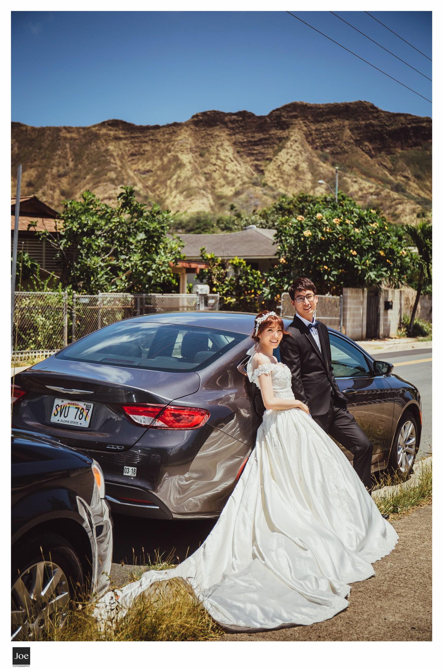 這是新郎新娘租的車 :)