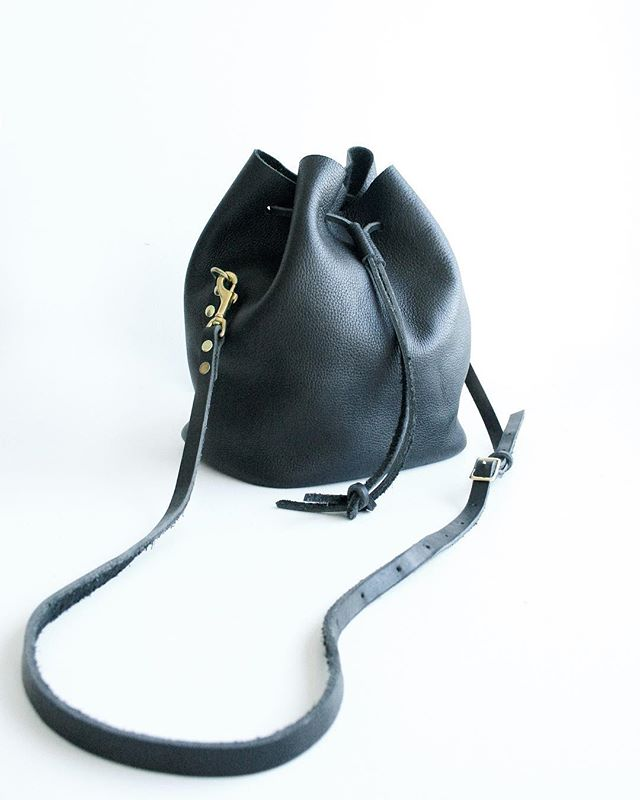 I have one large Canberra Bucket Bag in black motorcycle leather available before Christmas! Local pick up and delivery available. Canada shipping and Worldwide shipping (not guaranteed by Christmas) • • • • #torontostyle #torontofashion #tostyle #shoptoronto #shoplocal #handmade#handstitched #leather #leatherbag #womensaccessories #ootd#wiw #torontochristmasmarket #toronto #torontoblogger #torontolife #blogto