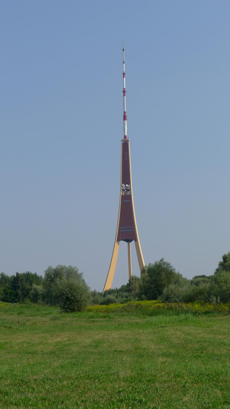 TV-tårnet i Riga. Nyklipt øy.