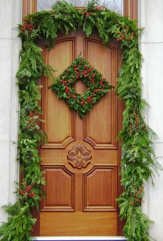 82150fe67300410e7cddad4248ecdf89--christmas-door-christmas-wreaths.jpg