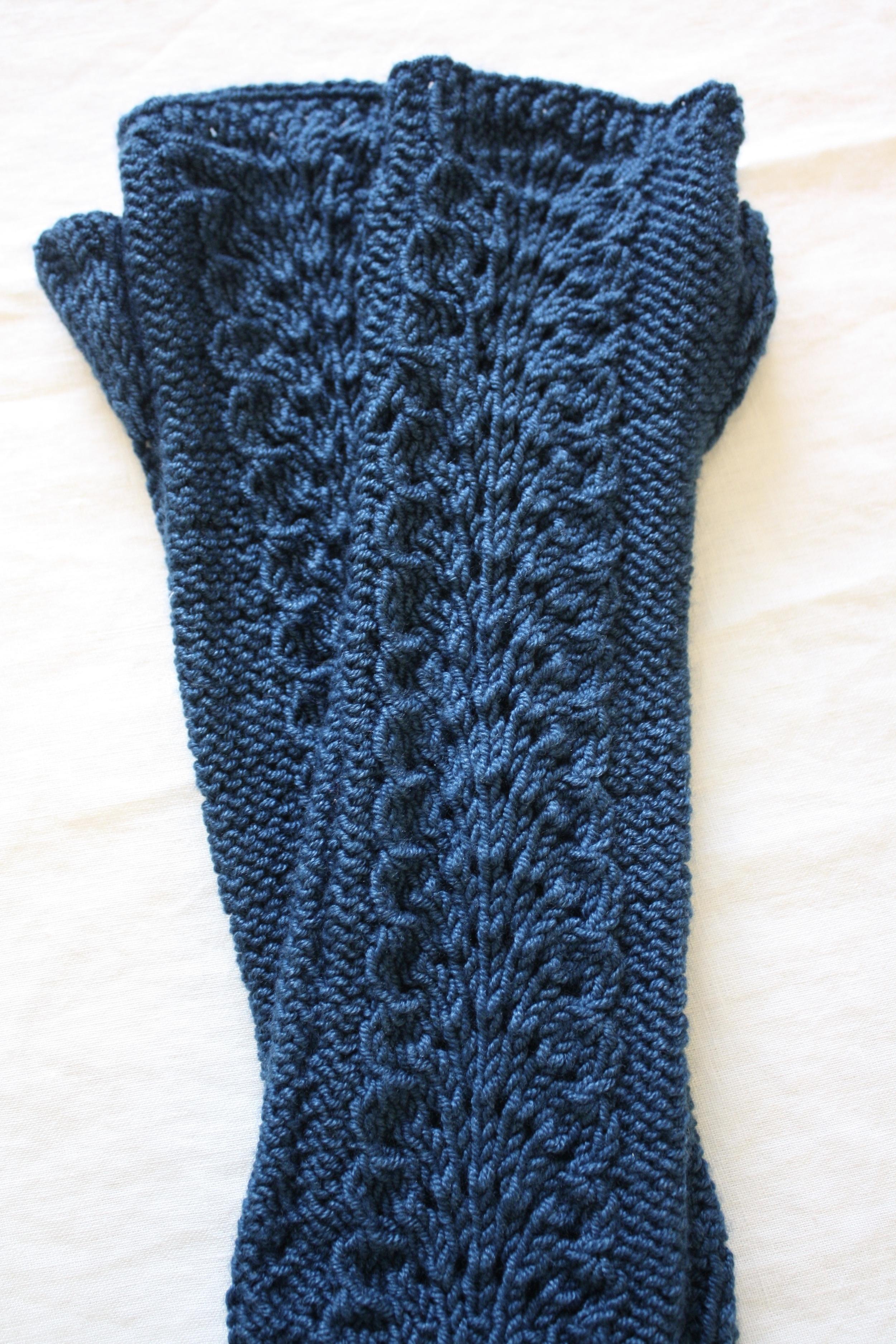 Lettuce Knit Arm Warmers Pattern, Stitch Nation by Debbie Stoller