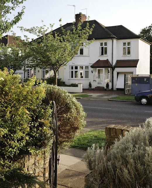 V2_Staveley_Road_W4.jpg