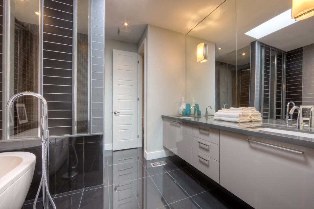 New Home Staging - Bathroom