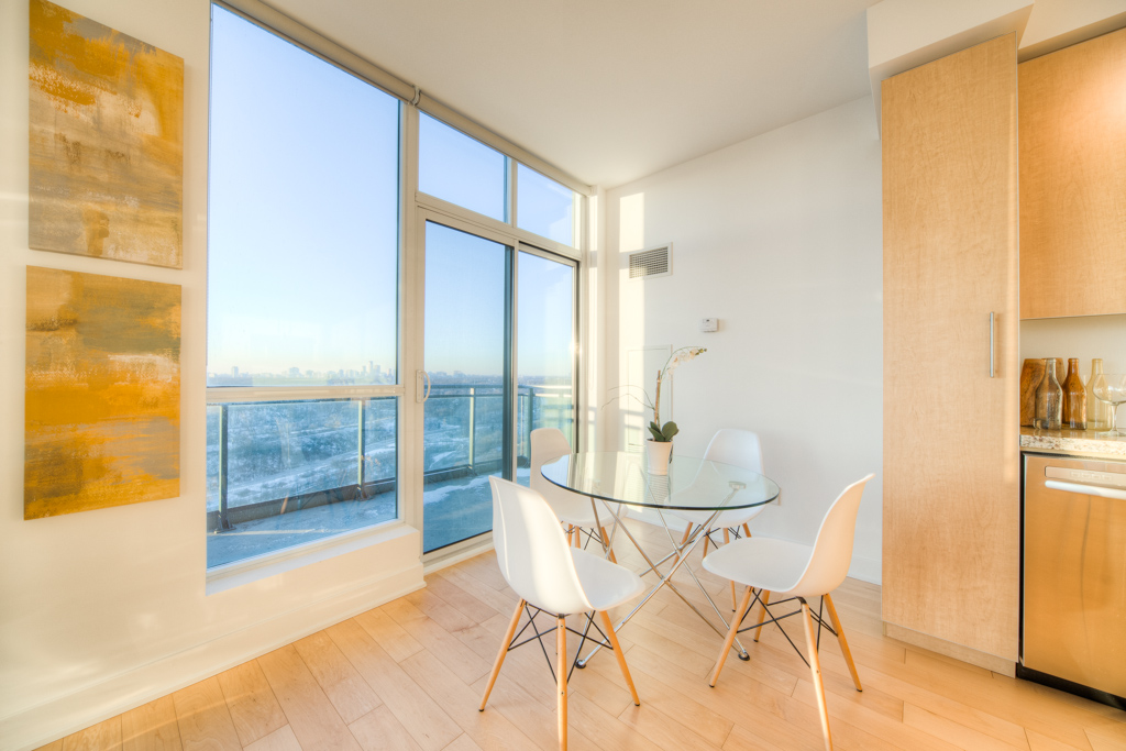 Eating Nook - Condo Real Estate Staging