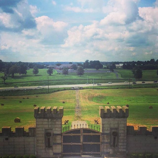 Castle views 😍💕 @thekentuckycastle #kentuckycastle #castlewedding #kentuckywedding