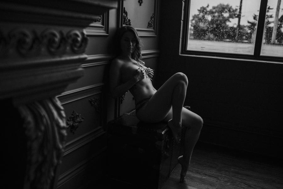 toronto boudoir photographer