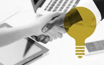 thumb_Business_B2B_Handshake_Laptop_Success.jpg