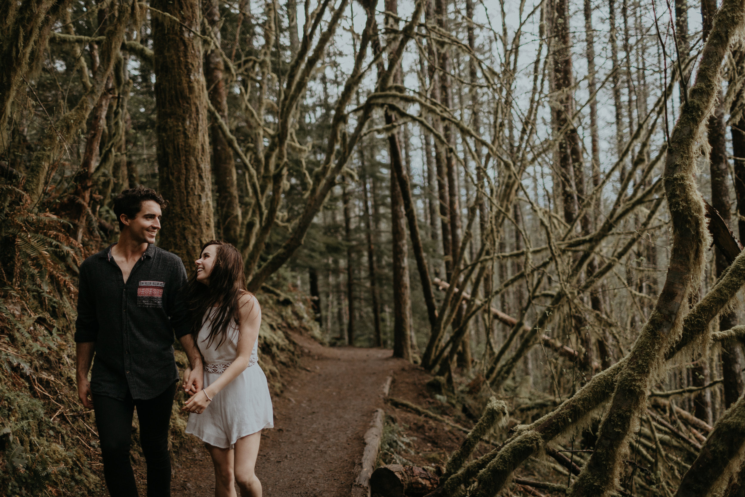 Heather_Justin_Rattlesnake_Ledge_Engagement-815-1326.jpg