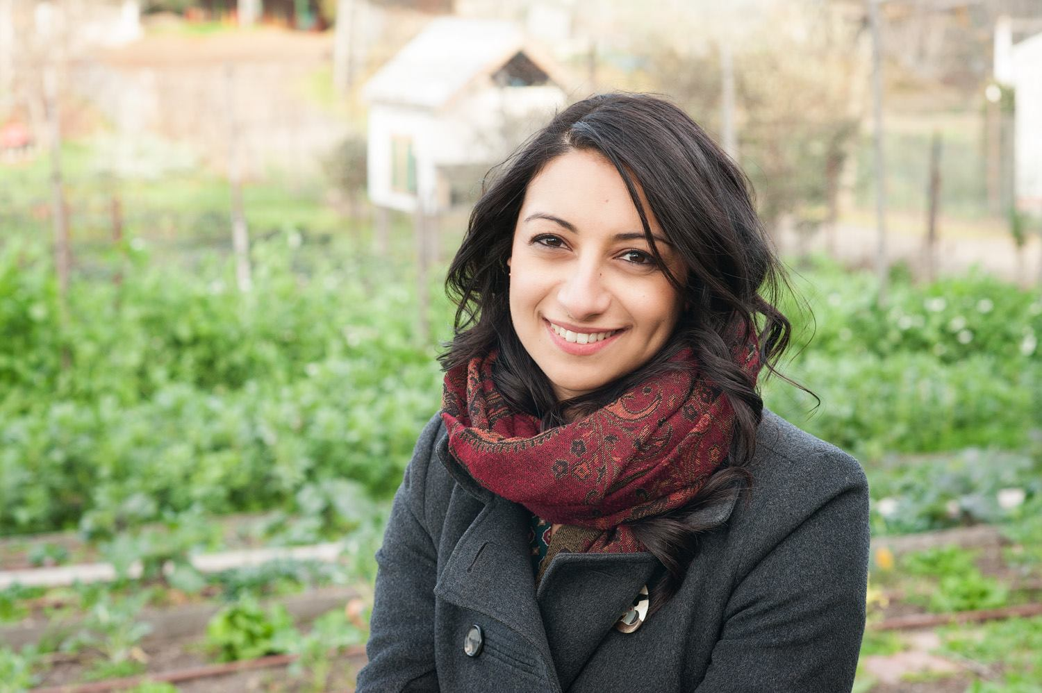 Rasha Tayeh -Growing Food Project   Growing Food Project (2013) is a short documentary written and directed by Rasha Tayeh, exploring Melbourne's local food movement and community food projects. Inspired by Melbourne's community food projects and Patrick Jones' poem, Step by Step - the film highlights stories of people coming together to build local, fair and sustainable food systems. Growing Food Project is a guest film taken from the Australian series of Hidden Features / Secret Cinema events organised by HERE+NOW Curatorial Director Jenny Humberstone in Melbourne and Brisbane 2013-2014.    www.growingfoodproject.org/