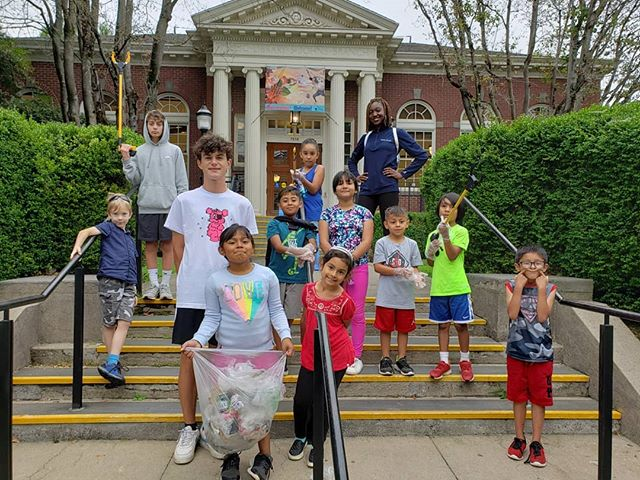 Our walking field trips class spent the morning beautifying St. John's by picking up trash around the neighborhood.  #ptande #bethechange #scholarathlete
