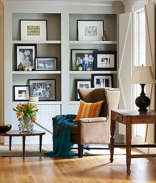 When you have amazing family photos, why not make that the focal point? Simply beautiful. Source: bhg.com