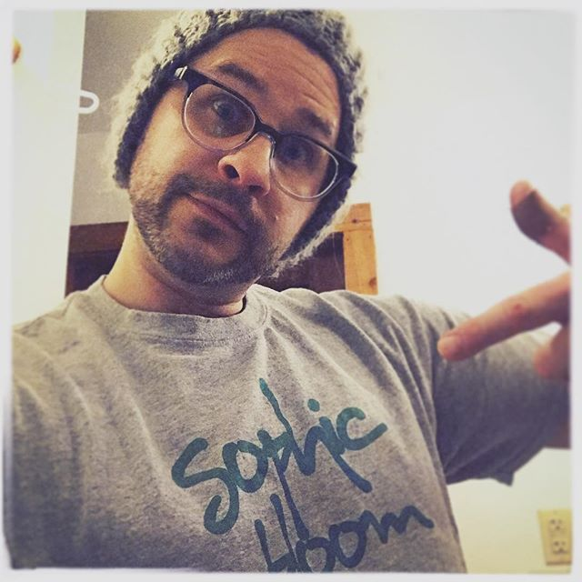 #repping the #sophicbloom with a thumb #bandaid yo.  #xmas2018 #zerp #djzerp #sophicbloom @sophicbloom