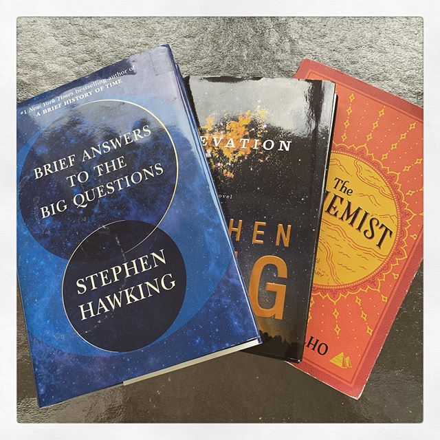 Cabin reading.  All amazing reads! 🤟🏼 #stephenking #thealchemist #stephenhawking #paulocoelho