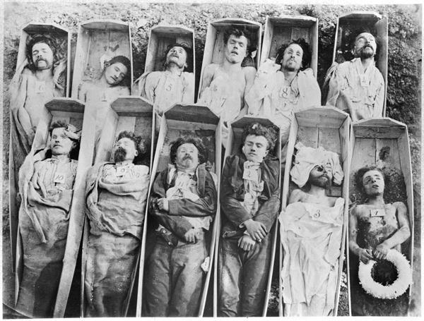 André - Adolphe - Eugène Disdéri,  The Dead of the Paris Commune  (1871)