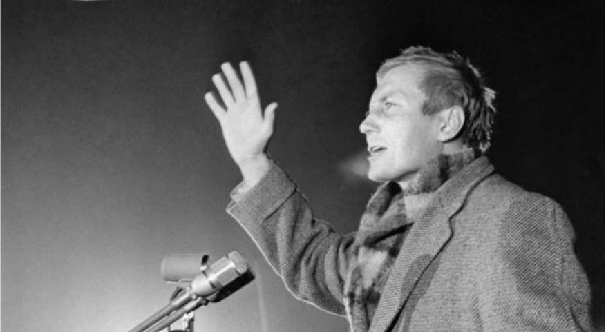Yevgeny Yevtushenko reciting a poem about Vladimir Mayakovsky, 1960.
