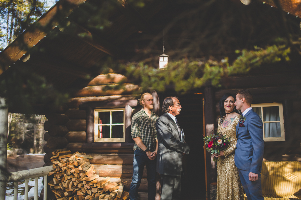 StormMountainLodgeWedding-19.jpg