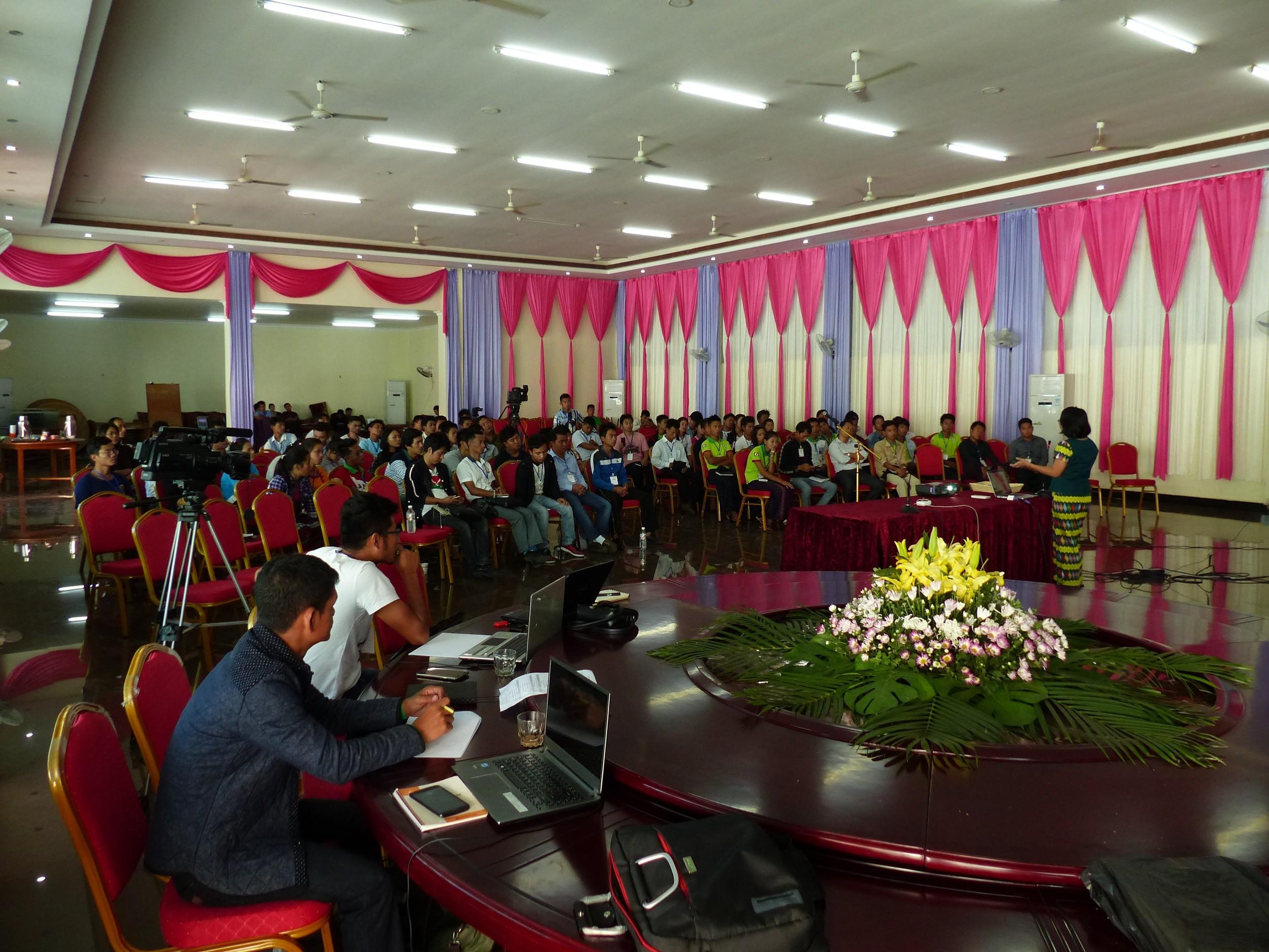 kachin youth forum.jpg