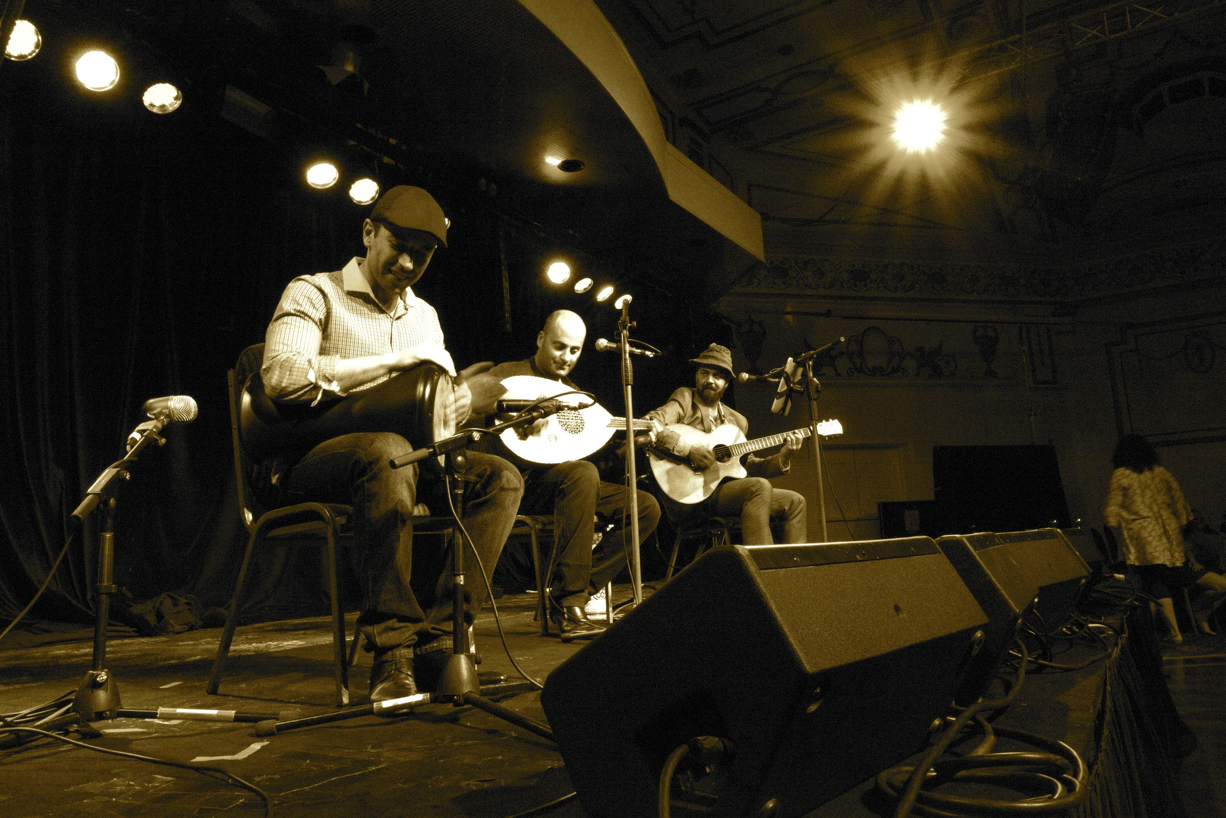 Zourouna playing live Middle Eastern music @ Thornbury Theatre, 2014